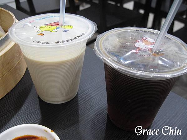 不貽樣湯包%2F排骨酥(萬華)24小時營業 小籠湯包 蝦餃 米糕 排骨酥