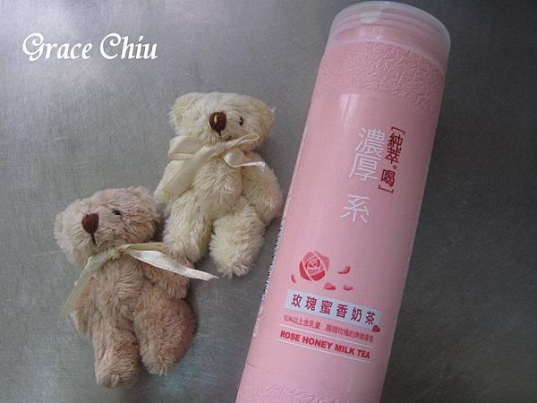 純萃喝濃厚系~玫瑰奶茶(全家便利商店.萊爾富)/蜜香玫瑰奶茶(7-11)~純萃喝,喝純粹~