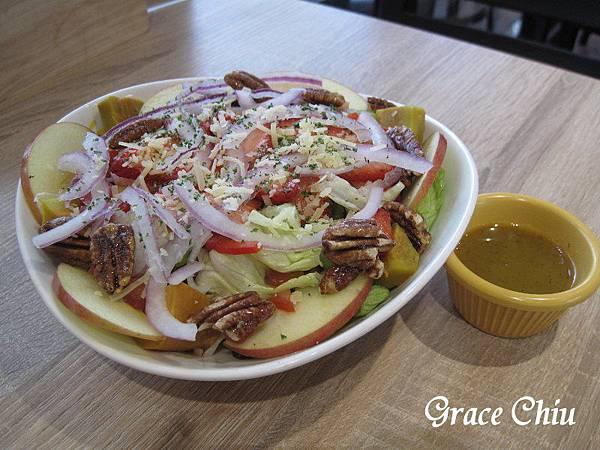 草莓胡桃沙拉 the chips 美式餐廳(板橋車站店) GlobalMall環球購物中心 新北美式 新北漢堡