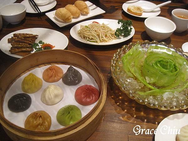 樂天皇朝 八色小籠包 新加坡餐廳 來自新加坡 台北小籠包 信義區中式