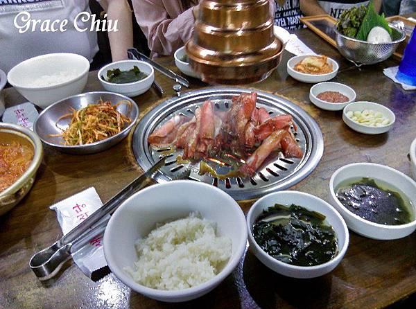 新村食堂(새마을식당 가로수점) 韓國美食