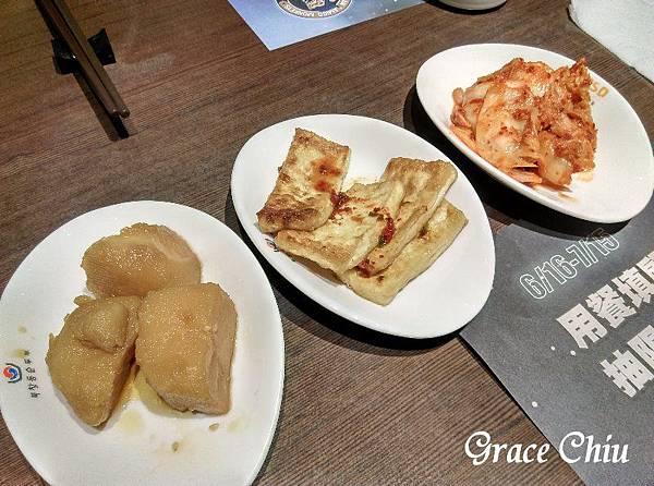 韓式小菜 涓豆腐 台北車站韓式料理 台北車站2樓餐廳
