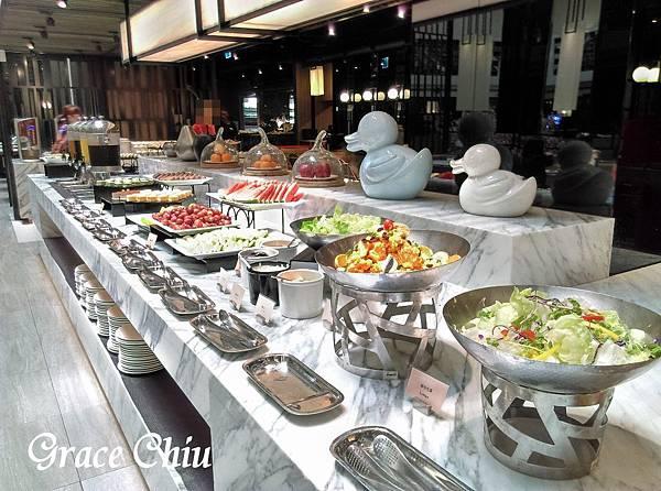 德立莊中庭餐廳 SEMI BUFFET 沙拉吧 排餐 捷運西門站