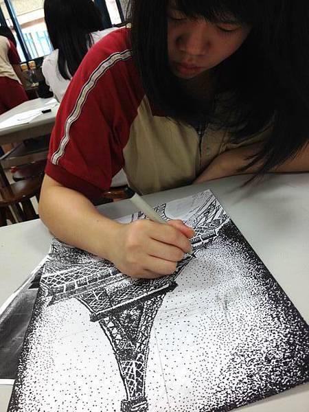 調整大小maggie pointillism