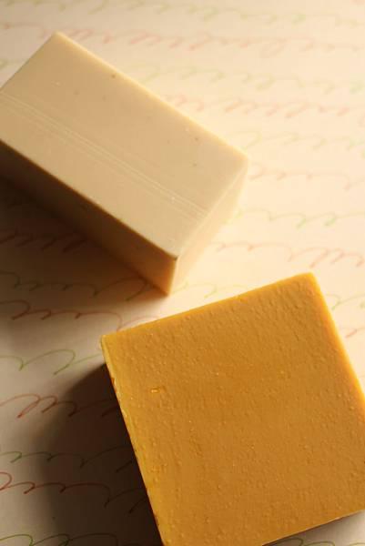2014.11.28蜂蜜馬賽滋養皂、洋甘菊純橄欖皂