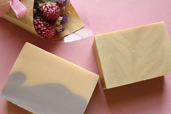李佳錚代製母乳皂兩款