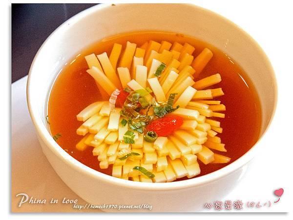 7菊花豆腐湯 (1).jpg