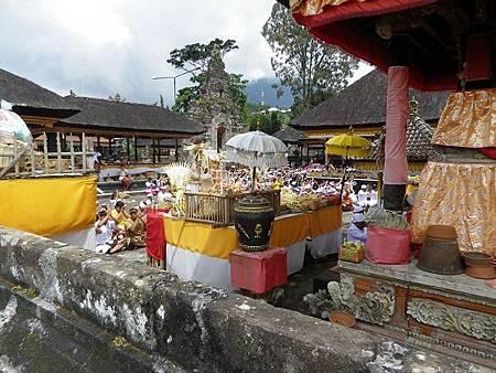 【遊】峇里島★租車一日遊景點★烏倫達努水神廟Ulun Danu Temple