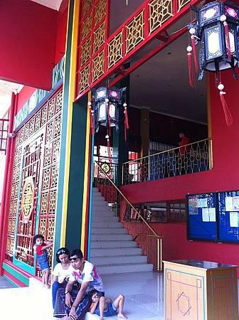 【遊】印尼泗水★鄭和清真寺MASJID Muhammad CHENG HOO★路過火山&印度廟CANDI JAWI