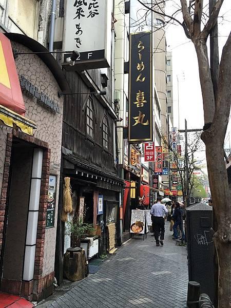 【遊】日本東京★有樂町(鐵道橋下的紅磚街景)+皇居外苑(圍牆外河景)★地鐵有樂町站。自由行