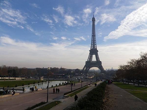 夏樂宮(Palais de Chaillot)看艾菲爾鐵塔(Tour Eiffel)