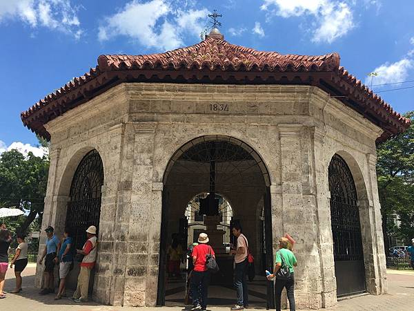 【2017遊】菲律賓宿霧★Cebu宿霧市區觀光。麥哲倫十字架。聖嬰聖殿(菲律賓最古老的天主教教堂)。MALL AYALA CENTER★一日行程。自助旅行