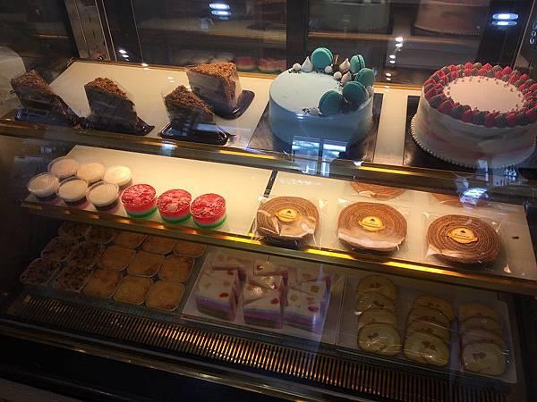 【食】印尼雅加達★Roona Patisserie %26; Bakery★Homemade。麵包蛋糕。烘焙店。Gading Serpong
