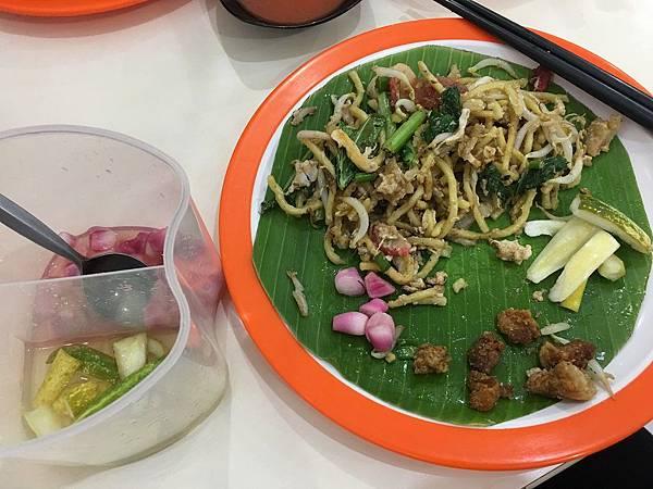 【食】印尼雅加達★AKANG KWETIAW★華人小吃店。炒粿條。炒麵。炒米粉。炒飯。Gading Serpong