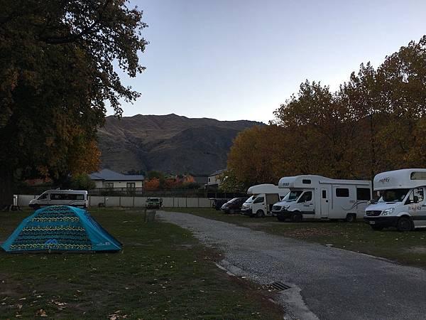 【分享】紐西蘭南島★露營地介紹。推薦露營地。Wanaka Lakeview Holiday Park★New Zealand。紐西蘭自駕。租露營車自由行
