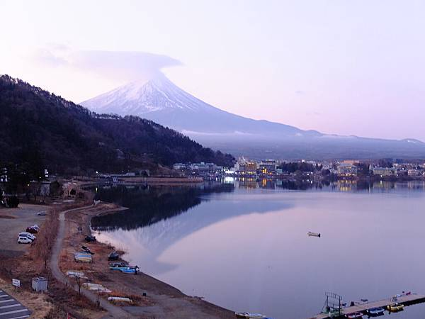 旅館裡拍的富士山