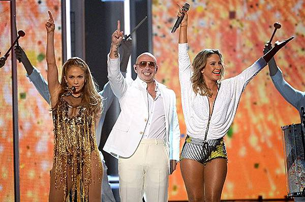 jennifer-lopez-pitbull-claudia-leitte-2014-billboard-music-awards-performance-650