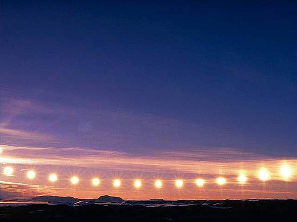 suns in Antarctica (連續照片-南極太陽)