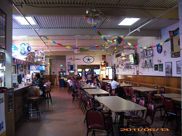 第一次在外站顧路-Fresno 19-晚餐pizza店