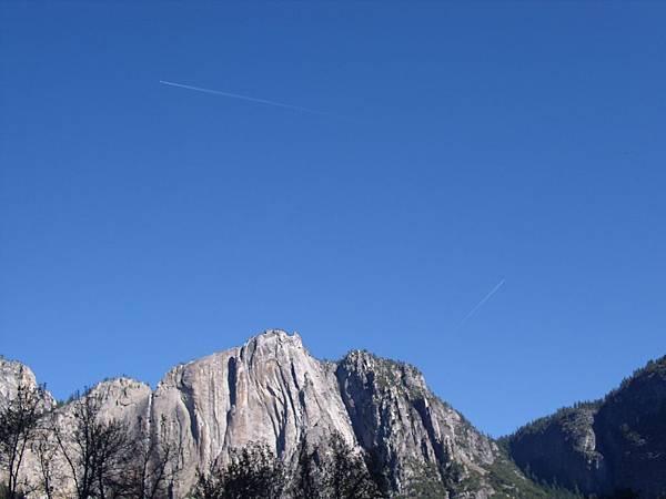 11-1023-Yosemite-008-planes.JPG
