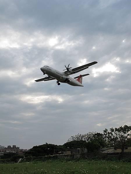 12-0324-松山機場03