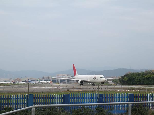 12-0324-松山機場05