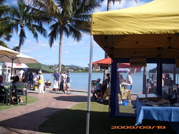 Airlie Beach Sat market