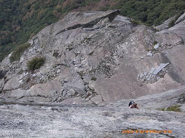 61 - Mono Rock - 攀岩.jpg