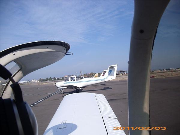 11-0203-第一次飛-同學們2.JPG
