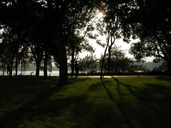 西湖 24