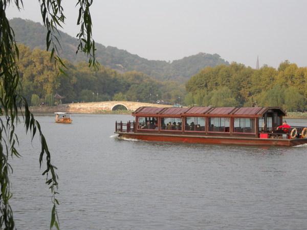 西湖 25