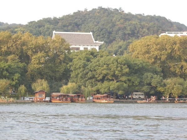 西湖 28