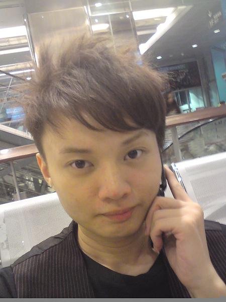 新髮型唷.JPG