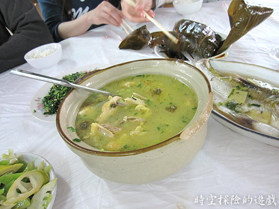 烏鎮「鴻雅酒樓」:菊花土雞煲(人民幣58元)