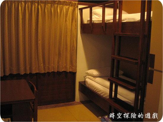 宜蘭福泰冬山厝:家庭套房上下舖的小房間