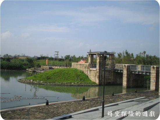 國立傳統藝術中心:冬山河側