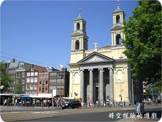 滑鐵盧廣場的Mozes en Aäronkerk教堂