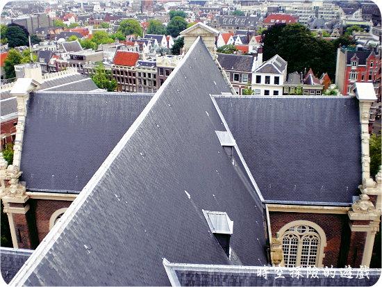 西教堂鐘塔:鳥瞰西教堂屋頂