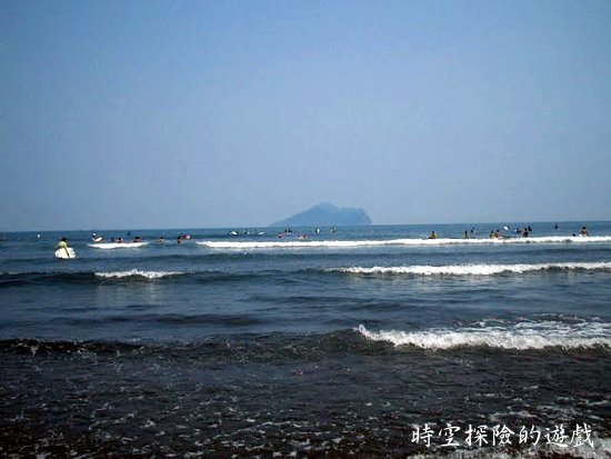 北堤海岸遠方的龜山島