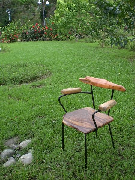 金屬框木頭座椅 (2).JPG