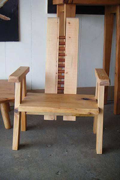 何種椅也?