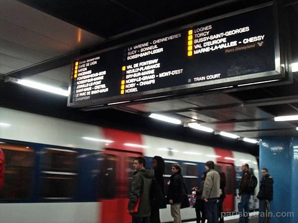 station_panel_chatelet_les_halles_rer_a_mlv.jpg