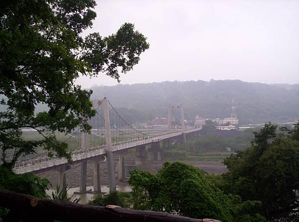 朦朧的大溪橋