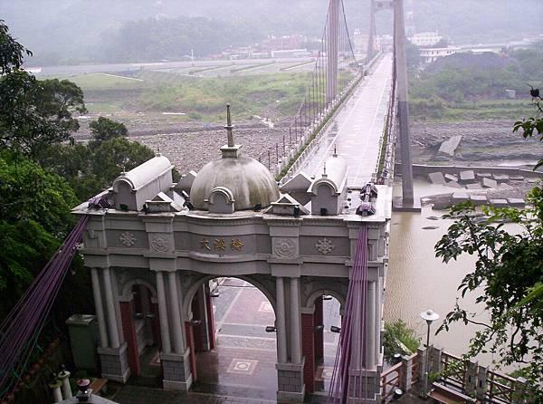 大溪橋挺有異國風味的嘛