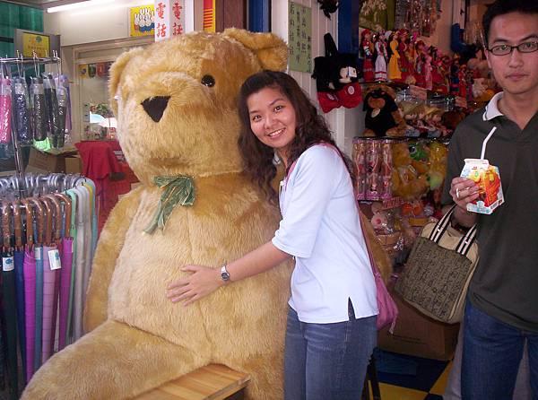 好大的一隻熊喔!