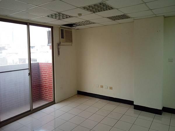 四安公司辦公室出租5F-1_03