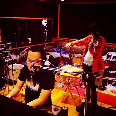 IMG_3966十九兩樂團擔任可是我還是學不會編曲演奏