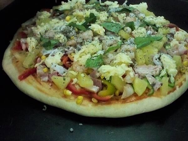 海陸總匯披薩.JPG