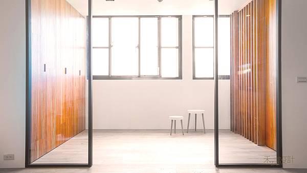 禾云室內設計_收納空間_兒童遊戲_玻璃隔間.jpg
