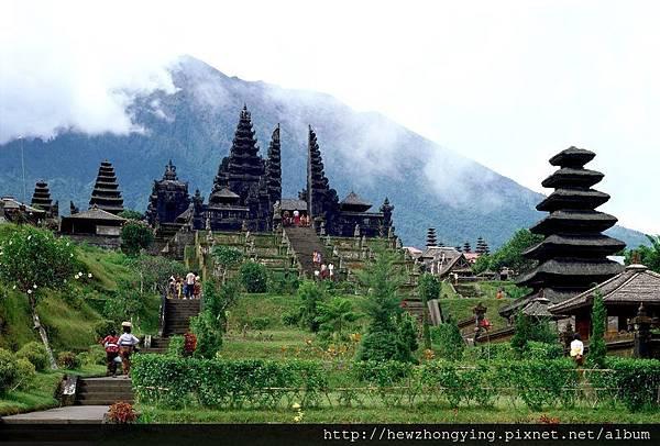 ID_Bali_Pura_Besakih_1